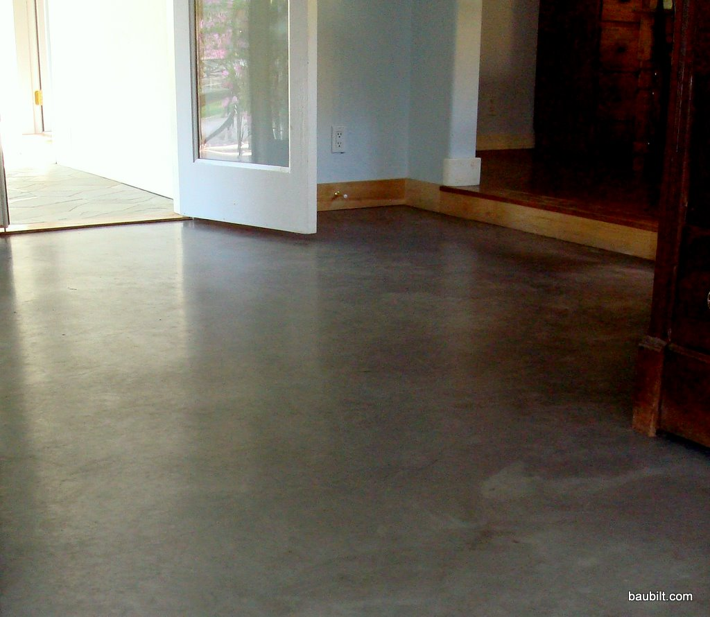 Des plaines basement flooring des plaines basement for What is best for basement flooring over concrete
