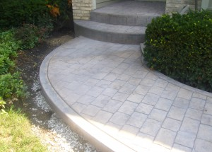 cobble stone front walk